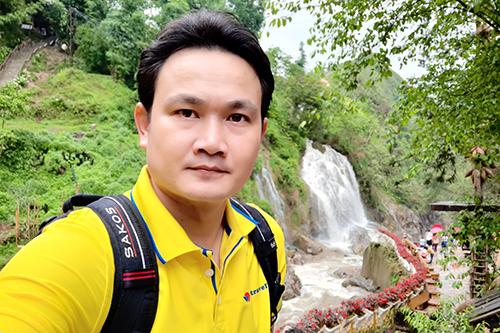 Nguyễn Hữu Nhàn hiện là hướng dẫn viên chuyên tour nội địa.