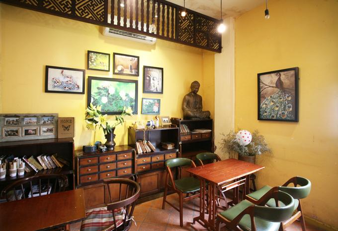 Quán cà phê trong căn nhà cổ
