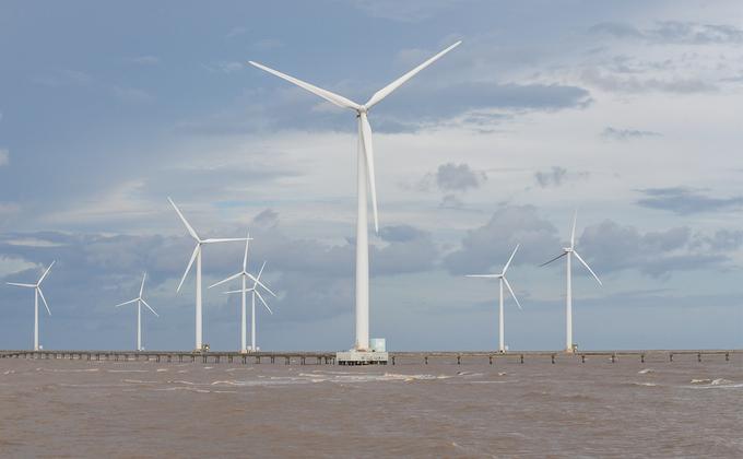 Cánh đồng điện gió trên biển duy nhất của Việt Nam