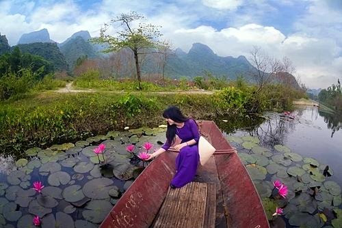 Cuối tuần du khách hãy thử đến suối Yến, thả mình giữa non nước. Ảnh:Cao Anh Tuấn.