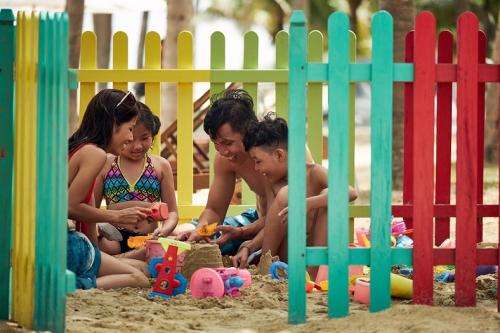 Vui tới tận những giây cuối cùng, đó sẽ là cảm xúc của cả nhà khi chọn nghỉ dưỡng tại Premier Village Danang Resort managed by AccorHotels.