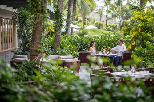 Resort phục vụ kiểu đo ni đóng giày cho du khách - ảnh 2