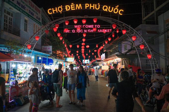 Chợ đêm đông khách nhất Phú Quốc  - Cho-dem-Phu-Quoc-1571651260_680x0 - Chợ đêm đông khách nhất Phú Quốc