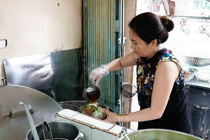 Báo nước ngoài gợi ý 10 quán bún bò Huế ngon