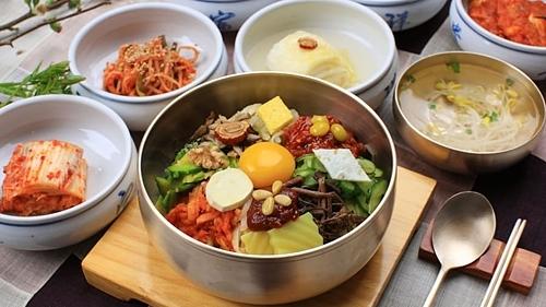 7 quy tắc trên bàn ăn của người Hàn Quốc - ảnh 2