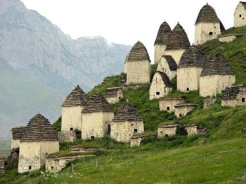 Ngôi làng nổi tiếng vì đi dễ khó về - ảnh 1
