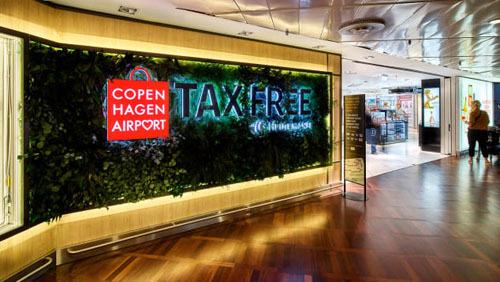 Scott Mayerowitz từ Points Guy cho biết thường dừng lại ở các cửa hàng miễn thuế tại sân bay.