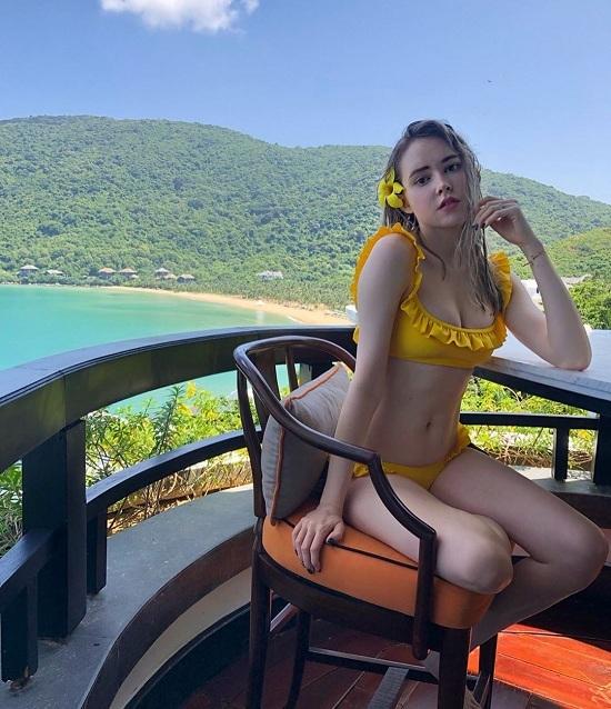 Người mẫu Canada nghỉ dưỡng ở Đà Nẵng