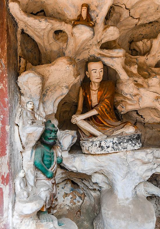Ngôi chùa giữ kỷ lục về tượng đất