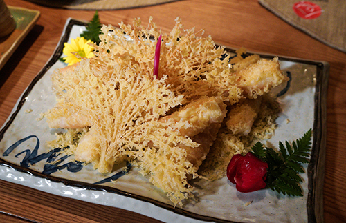 Cựu Thủ tướng Nhật bất ngờ về nhà hàng trùng tên mình - ảnh 2