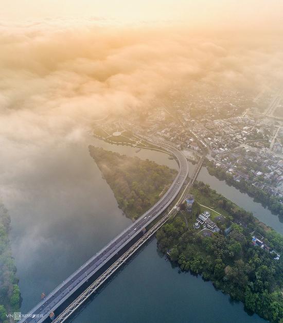 Mùa sương xứ Huế nhìn từ trên cao