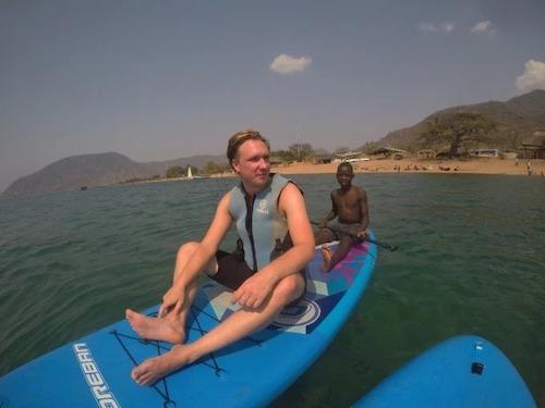 James Michale trong chuyến khám phá Malawi cùng 3 người bạn. Ảnh: James Michael.