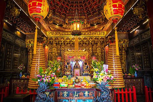 Ngôi đền nằm ở số 218, đường thứ hai của phố Fuyang. Ảnh: Josh Ellis.