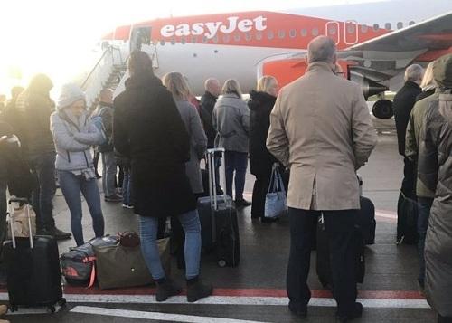 Hành khách lên nhầm khiến chuyến bay bị trễ