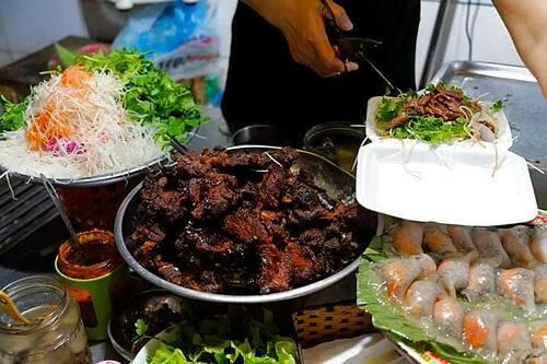 Những món ngon tại ngõ chợ Đồng Xuân