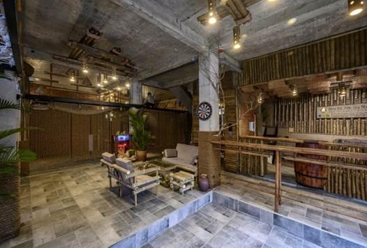 Khu không gian chung được bài trí thoáng rộng để chào đón khách du lịch đến nghỉ ngơi tại khu lưu trú.