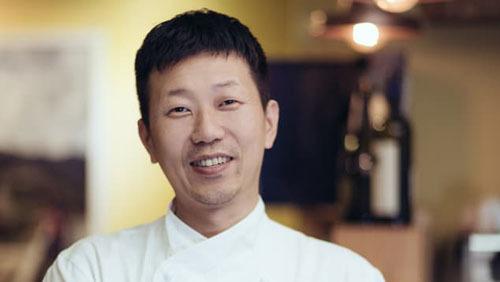 Eo Yun Gwon từng học đầu bếp tại Milan, Italy trước khi về mở nhà hàng tại Hàn Quốc. Ảnh: CNN.