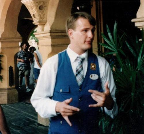 Mickey đã có cuộc gặp khiến anh thay đổi mãi mãi tại công viên giải trí ở Orlando. Ảnh: Reddit.