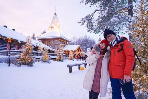 Bố mẹ Việt đưa con đi Lapland gặp ông già Noel - page 2 - 3