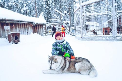 Bố mẹ Việt đưa con đi Lapland gặp ông già Noel - page 2 - 2