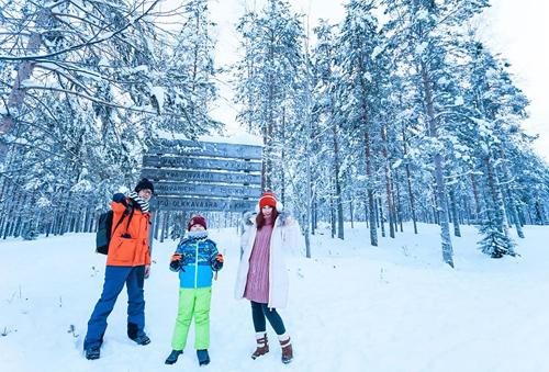Bố mẹ Việt đưa con đi Lapland gặp ông già Noel - page 2 - 9