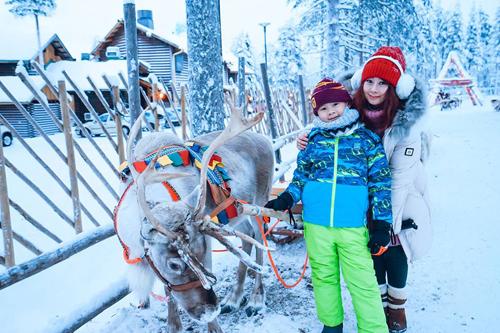 Bố mẹ Việt đưa con đi Lapland gặp ông già Noel - page 2 - 10