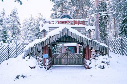Bố mẹ Việt đưa con đi Lapland gặp ông già Noel - page 2 - 11