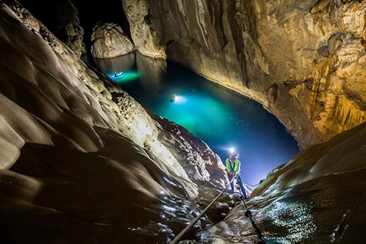 Hang Sơn Đoòng lần đầu được cấp phép khai thác du lịch trong 10 năm. Ảnh: Oxalis
