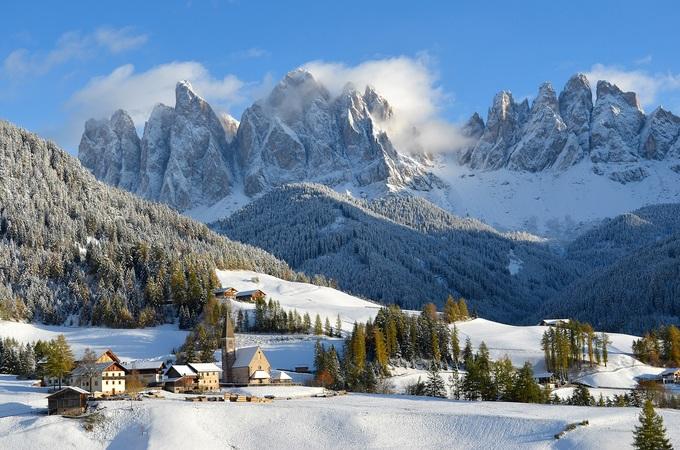 Khung cảnh tuyết phủ như xứ sở thần tiên ở châu Âu