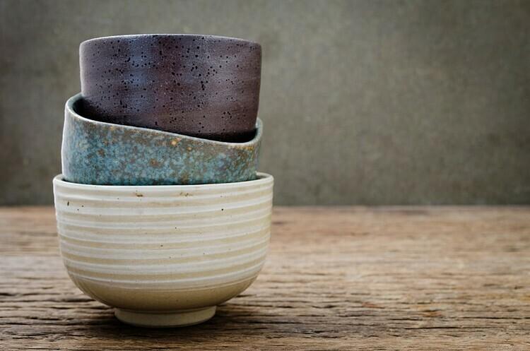 Những mẫu bát gốm thủ công của Nhật Bản. Ảnh: Jit-anong Sae-ung.