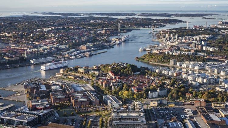 Chỉ số GDS (Global Destination Sustainability) – đã xếp Gothenburg là thành phố có chỉ số bền vững cao nhất thế giới (xếp ngay trên người hàng xóm Copenhagen) từ năm 2016 đến nay. Trên thực tế, điểm số của nó vượt xa mọi cái tên khác trong danh sách, cao hơn thành phố xếp thứ 10 là Brussels 22%. Và nó được CNN công nhận là thành phố xanh nhất thế giới. Ảnh: Mark Johanson/CNN.