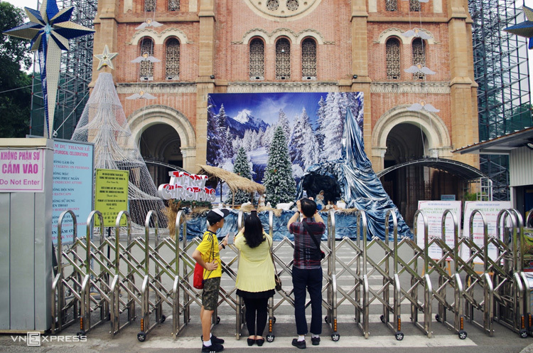 Những nhà thờ ở trung tâm Sài Gòn trước Giáng sinh