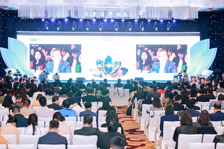 Diễn đàn Cấp cao Du lịch Việt Nam ngày 9/12 có quy mô 2.000 lượt khách tham dự. Ảnh: Tuấn Cao.