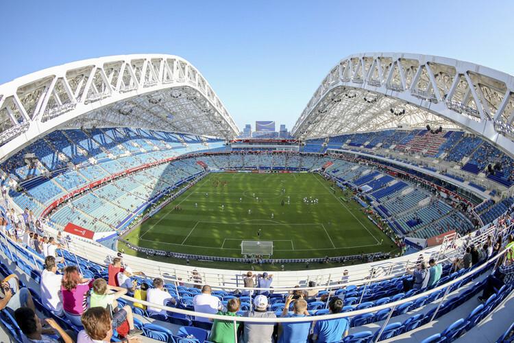 Sân vận động Krestovsky là nơi diễn ra ba trận đấu bảng B, giữa các đội Đan Mạch, Phần Lan, Bỉ và Nga. Ảnh: Sharron Livingston.