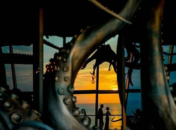 Ngắm hoàng hôn trên Bãi Trường là trải nghiệm mà bạn không nên bỏ qua khi đến Phú Quốc.  - a-5-1577698422-5072-1577782767 - Đón xuân cùng gia đình tại InterContinental Phu Quoc Long Beach Resort