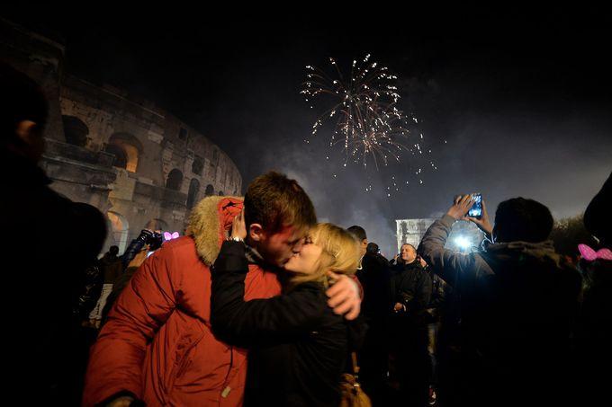 10 nghi thức đón năm mới kỳ lạ