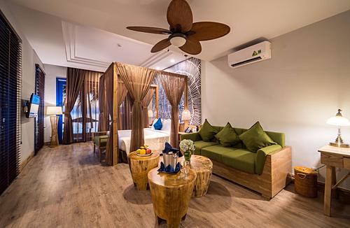 Phòng hướng ra biển để đón nắng hoàng hôn của Đảo Ngọc.  - w-1577957416-9665-1577957580 - L'Azure Resort and Spa khai trương tại Phú Quốc