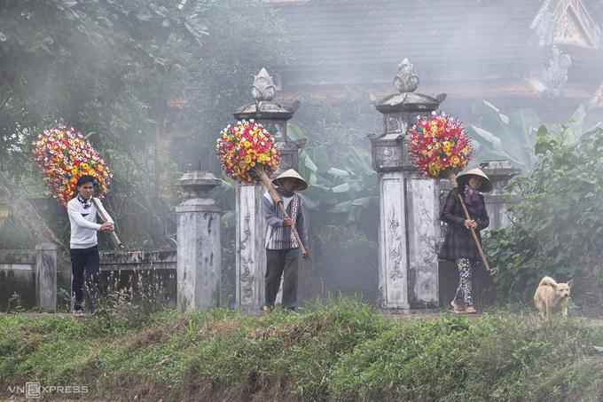 Không khí Tết ở làng hoa giấy Thanh Tiên