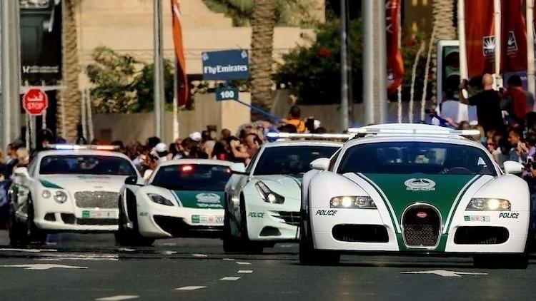 Cảnh sát Dubai luôn nỗ lực để đảm bảo du khách cảm thấy hạnh phúc và an toàn tại thành phố này. Ảnh:Khaleej Times.