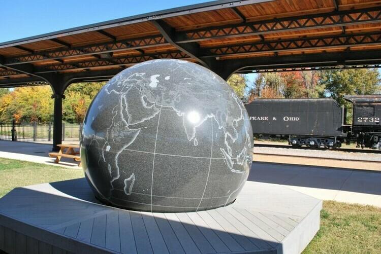 Hòn đá 29 tấn người thường có thể xoay - ảnh 3