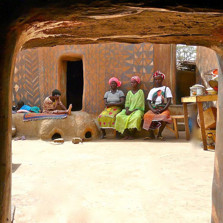 Ngôi làng của quý tộc châu Phi