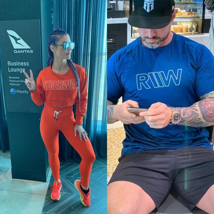 Trang phục của hai vợ chồng Eva khi bước vào phòng chờ hạng thương gia tại sân bay Melbourne. Ảnh: Twitter.