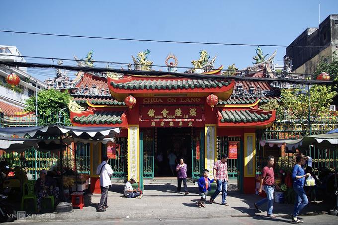 Ngôi chùa nổi tiếng với tục 'đánh kẻ tiểu nhân'