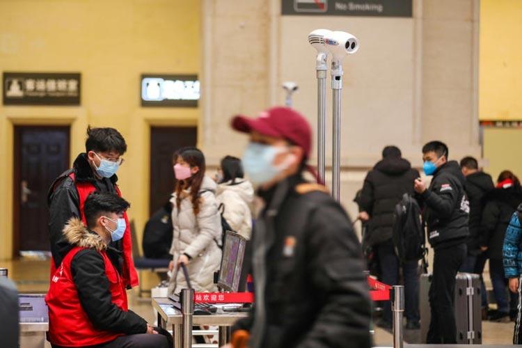 Nhiều hãng bay hủy chuyến tới Vũ Hán - ảnh 1