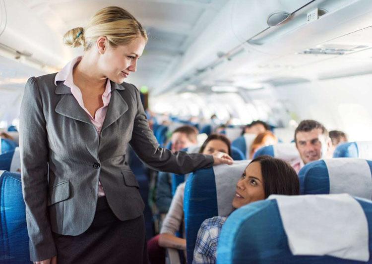 Điều tiếp viên để ý khi khách lên máy bay