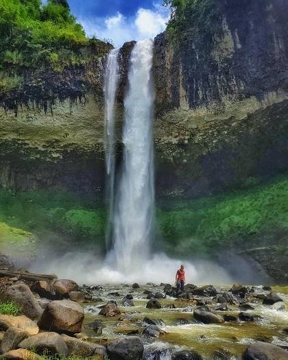 Ngọn thác hùng vĩ thu hút những du khách yêu khám phá. Ảnh: KekaVelok.