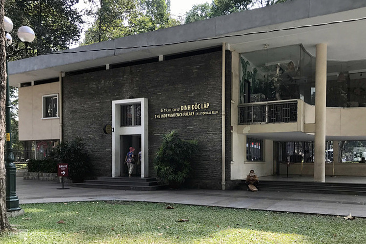 Tại TP HCM, các điểm di tích lịch sử vẫn mở cửa phục vụ khách du lịch. Ảnh: Tâm Linh.