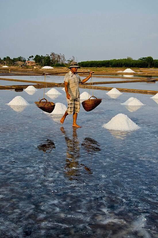 Gánh hàngrong tại TP HCM. Ảnh:Đào Tuấn Phước.