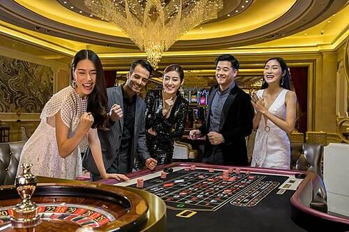 Sự xuất hiện của Corona Casino Phú Quốc đã đem hình thức giải trí còn khá mới mẻ tại Việt Nam tới gần hơn với du khách nội địa.  - image001-1581064506-5543-1581325766 - 3 địa điểm vui chơi tại Phú Quốc