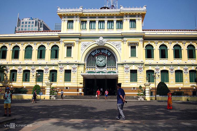 Du lịch Việt Nam thấm đòn - ảnh 1